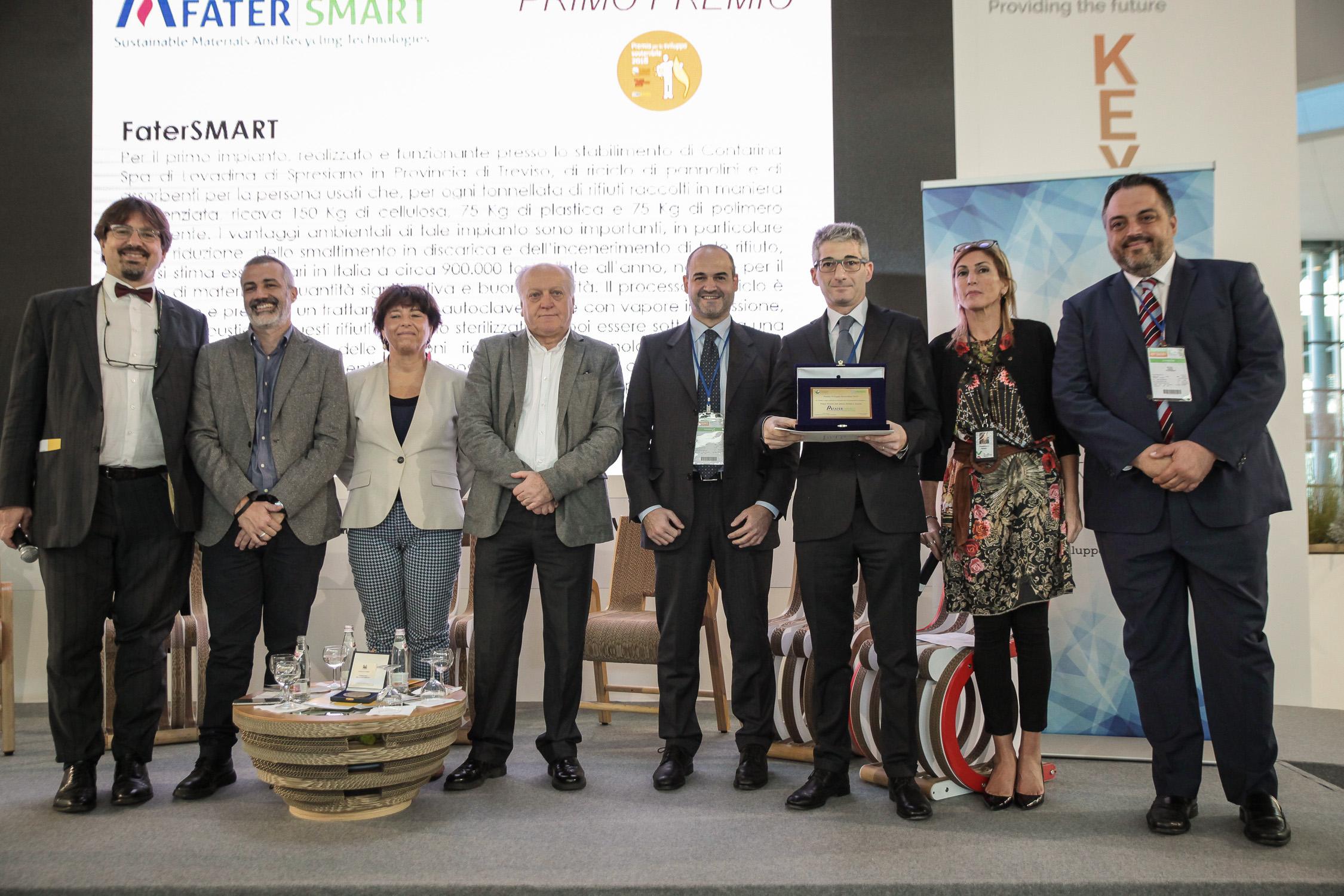 ECOMONDO-_Premio-per-lo-sviluppo-sostenibile-2018_Giovanni-Teodorani-Fabbri-Riccardo-Calvi-somma-Marcello1